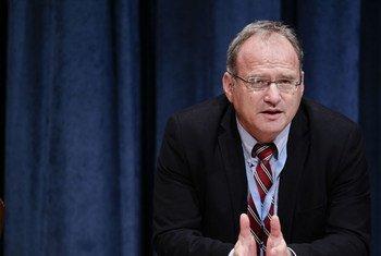 El relator de la ONU sobre ejecuciones extrajudiciales, arbitrarias y sumarias, Christof Heyns Foto: ONU/Paulo Filgueiras
