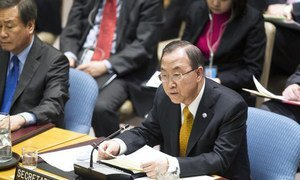 Secretary-General Ban Ki-moon (right) briefs the Security Council on Afghanistan.