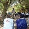 Des travailleurs humanitaires lors d'une réunion de coordination dans l'État du Jonglei, au Soudan du Sud (archive)
