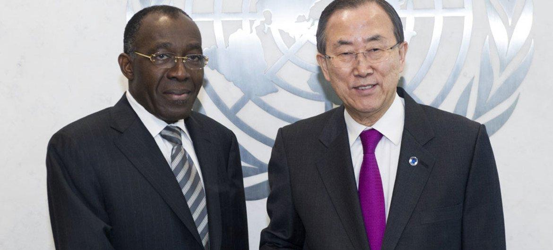 Secretary-General Ban Ki-moon (right) meets with Raymond Tshibanda N'tungamulongo, Minister for Foreign Affairs of the Democratic Republic of the Congo (DRC).