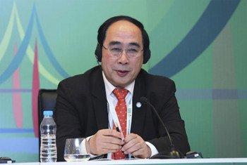 Le Secrétaire général adjoint aux affaires économiques et sociales des Nations Unies, Wu Hongbo.