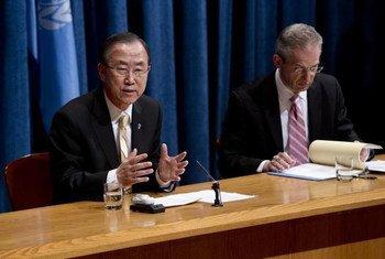 Le Secrétaire général Ban Ki-moon lors d'une conférence de presse. Photo ONU/JC McIlwaine