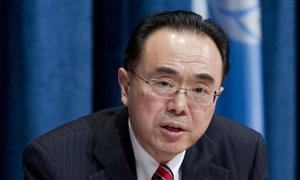 Le chef de l'unité de surveillance économique du Département des affaires économiques et sociales de l'ONU, Pingfan Hong.