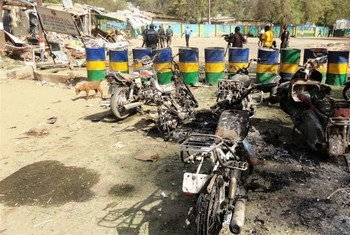 Des destructions provoquées par le groupe Boko Haram au commissariat de police à Kano, au Nigeria.