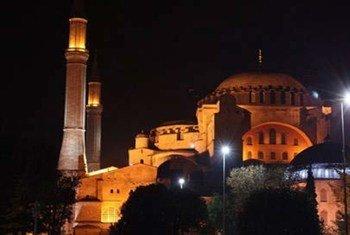Diretora da Unesco conclamou a Turquia a iniciar um diálogo, sem demoras, para evitar qualquer detrimento do valor universal do Hagia Sophia.