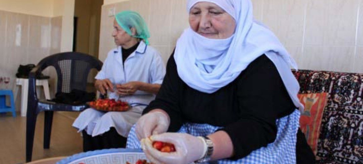 UNDP has helped establish small, women-run agricultural business cooperatives in rural Lebanon.