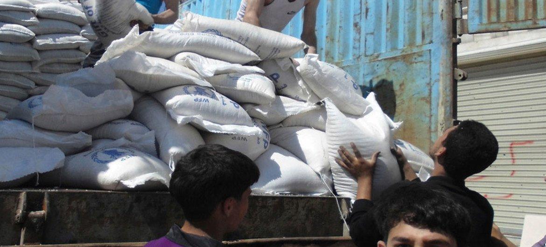 Distribución de alimentos en Aleppo  Foto archivo: OCHA/Gemma Connell