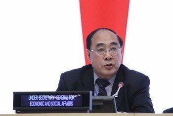 заместитель   Генерального секретаря ООН по экономическим вопросам У Хунбо. Фото ООН