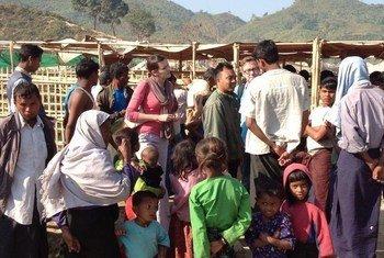 Desplazados de la comunidad Rohingya en Myanmar  Foto: mildren/OCHA
