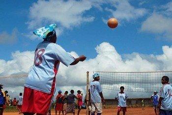 在巴布亚新几内亚,体育运动促进了难民融入当地社区。