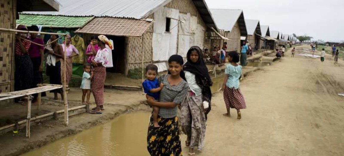 In Sittwe, Myanmar, many displaced people have moved into temporary shelters, but are dependent on aid due to insecurity and restrictions on movement.