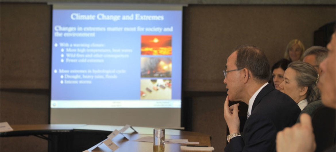 Secretary-General Ban Ki-moon speaks to scientists at the National Center for Atmospheric Research Mesa Labatory, in Boulder, Colorado.