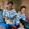 Viudas regentan un restaurante en Cote dIvoire  foto:  ONU/Ky Chung