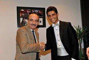 Portavoz de UNRWA<br>y Mohammad Assaf