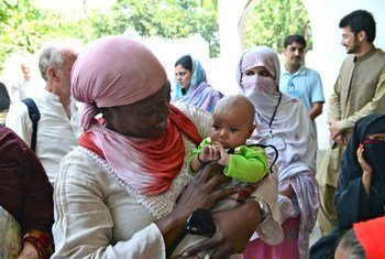 Executive Director Ertharin Cousin visits a WFP nutrition project near Mingora, Swat Valley, Pakistan.