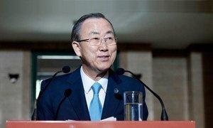Secretary-General Ban Ki-moon speaks to journalists in Geneva.