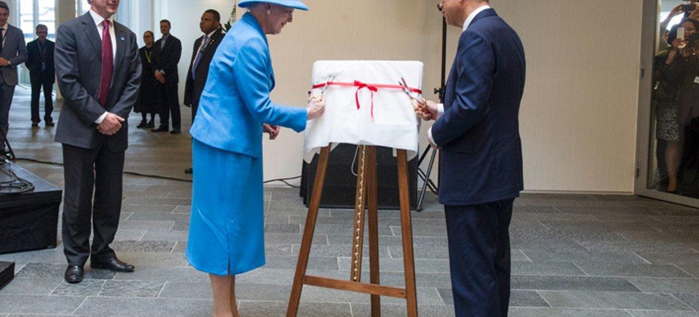 Secretary General Ban Ki-moon and Queen Margrethe II of Denmark cut the ribbon to officially open UN City in Copenhagen.