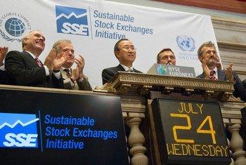 Le Secrétaire général à Wall Street.PhotoONU/Rick Bajornas