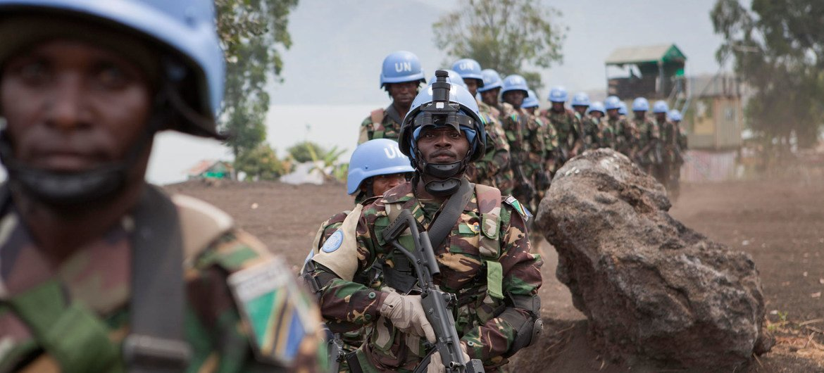 Special intervention brigade forces from Tanzania, part of the UN peacekeeping mission in the Democratic Republic of the Congo - MONUSCO, on duty in Sake, North Kivu (July 2013).