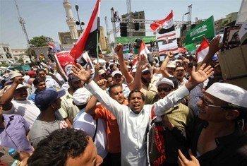 Des manifestants sur la place Rabaa Al Adaeia au Caire, en Égypte.