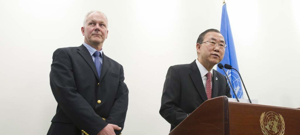 Secretary-General Ban Ki-moon (right) with Ake Sellström, head of the UN technical mission to investigate the possible use of chemical weapons in Syria.