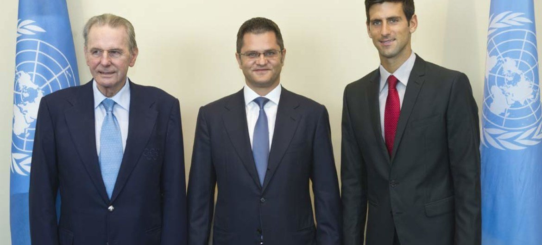 General Assembly President Vuk Jeremic (centre) with Jacques Rogge (left) and Novak Djokovic.