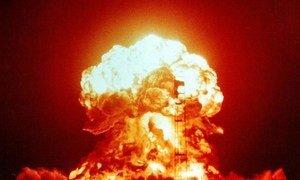 essai nucléaire aux États-Unis le 18 avril 1953.