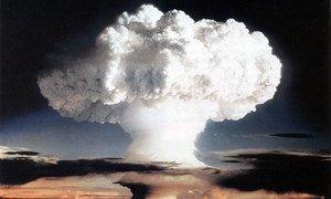 تجربة نووية أجرتها الولايات المتحدة في إنيويتوك أتول، جزر مارشال، في   نوفمبر 1952. المصدر: حكومة الولايات المتحدة