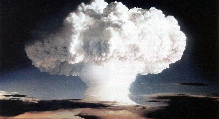 Американские ядерные испытания на Маршалловых островах 1 нобяря 1952 года Фото правительства США