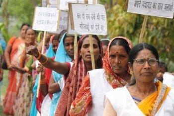 Mujeres en campaña previa a elecciones locales en el estado de Bihar, India  Foto: UN Women/Ashutosh Negi