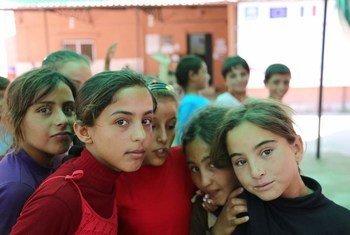 أكثر من نصف اللاجئين السوريين في لبنان هم من الأطفال. الصورة: مكتب تنسيق الشؤون الإنسانية