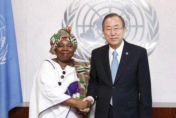 Ban Ki-moon et Mme Nkosazana Dlamini Zuma.
