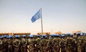 Des Casques bleus de la MINUSMA à Ménaka au Mali.