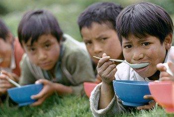 Luchar contra la pobreza y la desigualdad es, según la CEPAL, clave para un desarrollo sostenible en América Latina y el Caribe.