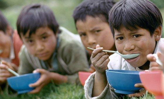 مؤشر التنمية البشرية لعام 2018 يشير إلى فوارق شاسعة تتكرر عبر 189 بلدا، شملها المسح، من حيث الصحة والتعليم والفقر والعمر.