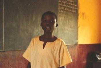 Un écolier en République centrafricaine.