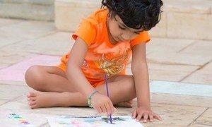 Les enfants et les femmes enceintes des pays en développement sont plus exposés à la peinture au plomb.