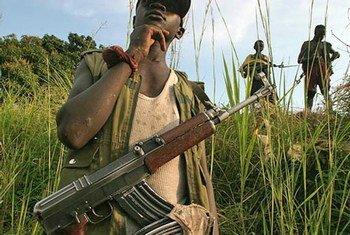 Niños soldados en la República Democrática del Congo Foto:  UNICEF/HQ03-0555/LeMoyne