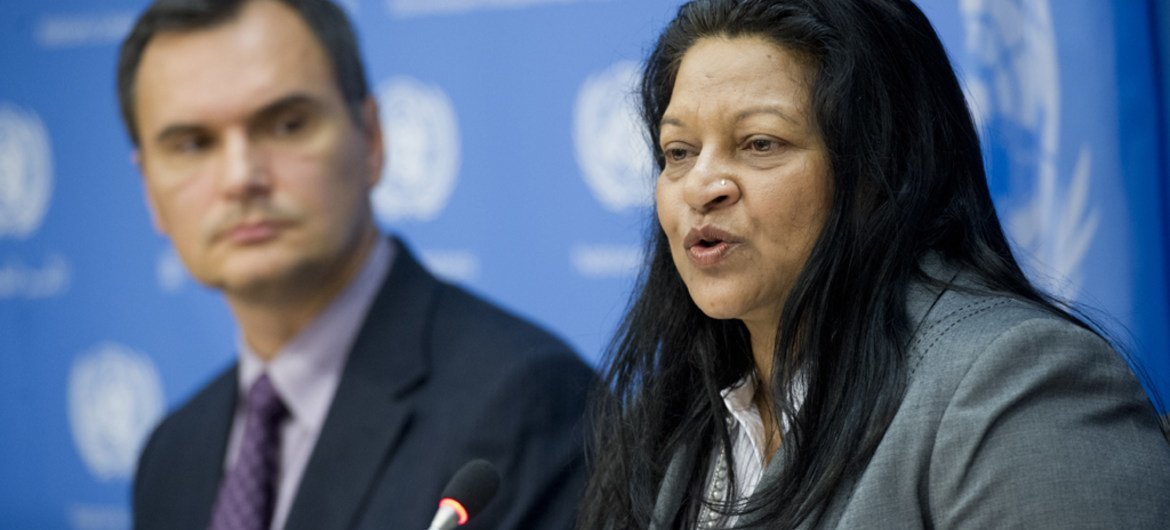 Special Rapporteur on the situation of human rights in Eritrea Sheila B. Keetharuth (right) addresses a press conference at UN Headquarters.