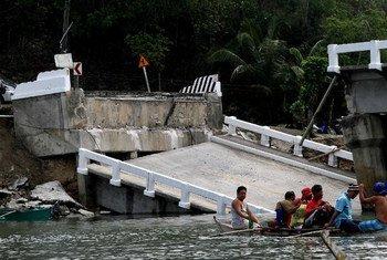 En octobre 2013, des survivants du séisme qui a frappé la région de Bohol, aux Philippines.