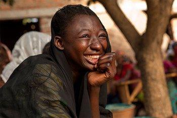 Une jeune Tchadienne dans un centre de jeunesse à Moundou, au Tchad. Photo UNICEF/P. Estve