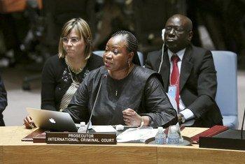 国际刑事法院检察官本苏达在安理会做情况通报。联合国图片/Ryan Brown