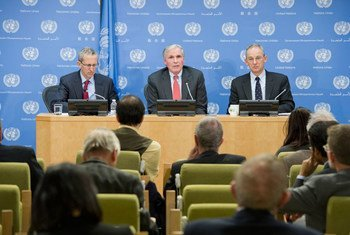 From left: Robert D. Newman, Director of the Global Malaria Programme at WHO, Special Envoy for Malaria Ray Chambers, and UN Spokesperson Martin Nesirky at press conference on WHO's latest malaria report .
