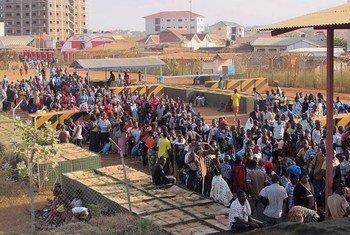 Des civils sud-soudanais réfugiés au siège de la MINUSS à Juba.