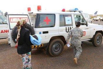 Des civils blessés sont évacués de Bor vers la capitale Juba par la Mission des Nations Unies au Soudan du Sud (MINUSS).