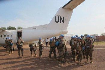 39 Casques bleus du contingent mongol de la MINUSS viennent d'atterrir à Bentiu pour renforcer la présence de l'ONU dans l'état d'Unity.