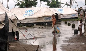As heavy rains and floods hamper activities to help victims of typhoon Haiyan in Tacloban, the Philippines, the need for food aid might extend until the next rice planting season in May.