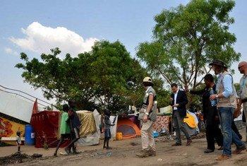 La Secrétaire générale adjointe des Nations Unies aux affaires humanitaires, Valerie Amos à Juba au Soudan du Sud.