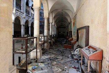 Разрушенный зал музея в Алеппо, Сирияю. Музеи в зонах конфликтов нередко подвергаются разграблению.