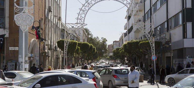 Une rue animée dans le centre de Tripoli, en Libye. Photo MANUL/Abbas Toumi